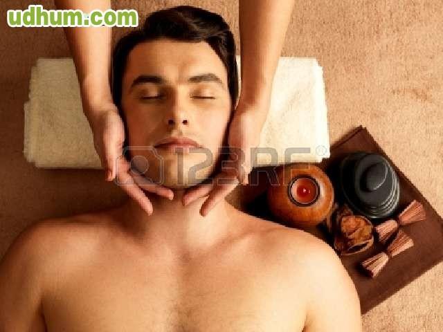 Soy masajista erótico con una amplia experiencia en masajes de todo tipo-5430