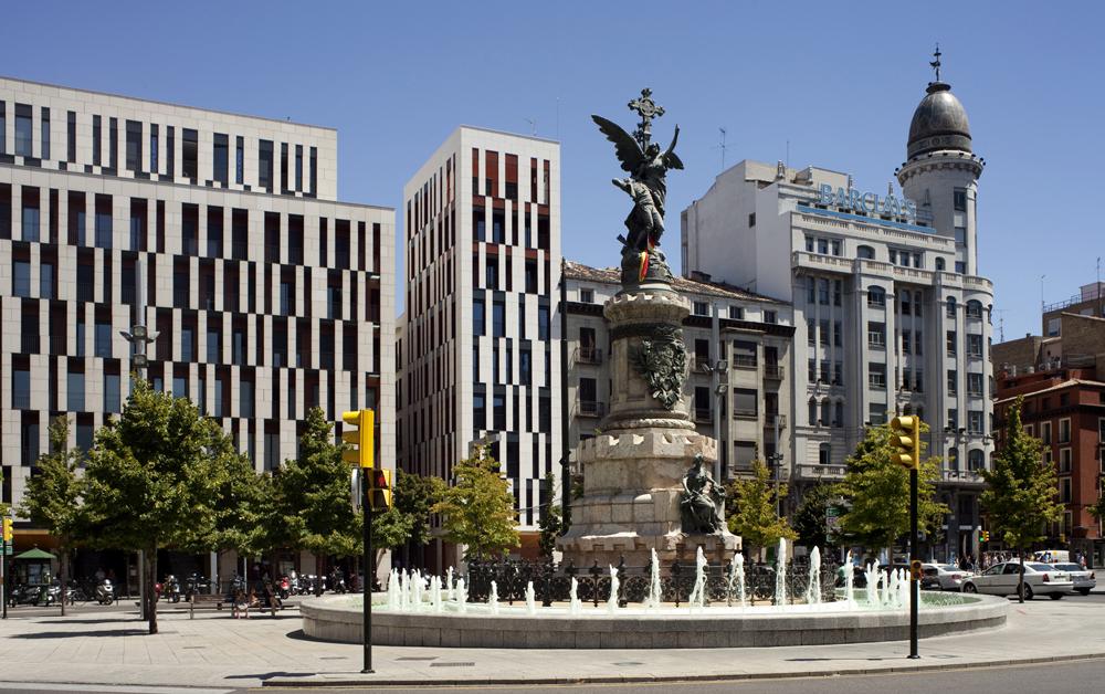 Plaza libre en Zaragoza centro-7211
