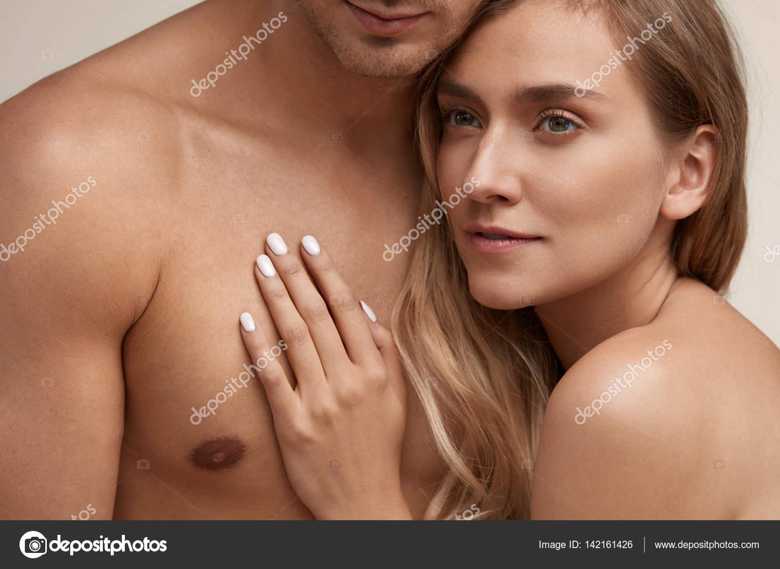 Cuerpo con curvas piel suave-5632