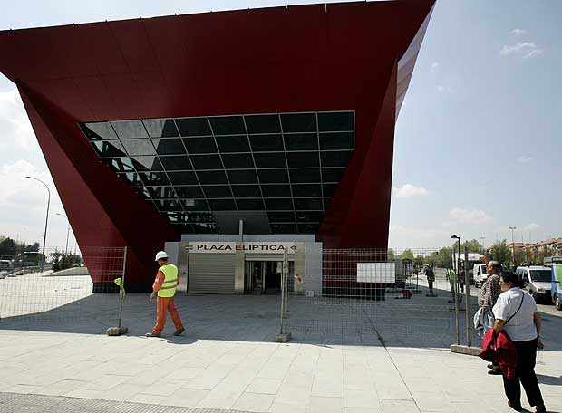 Rusa plaza eliptica en Valencia-222