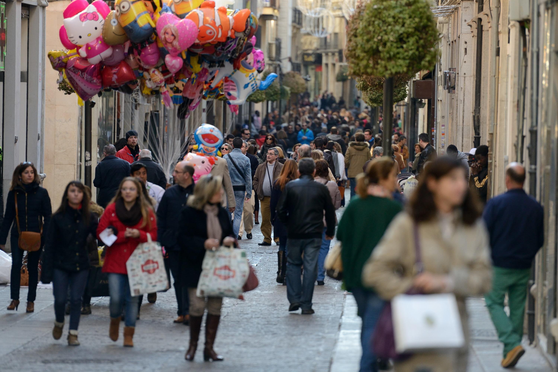 Mujere centro comercial en Granada-1123